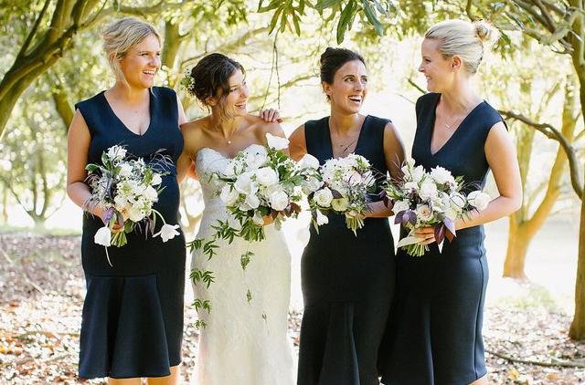 bride & bridesmaids flower bouquet