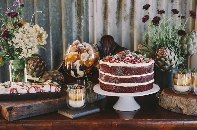 dessert table flower design